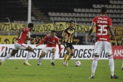 Táchira vence al Inter y deja en el fondo a Olimpia, que está obligado a ganar