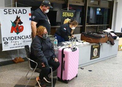Detenidos cuatro funcionarios aeroportuarios por tráfico de drogas
