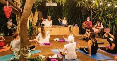 La Nación / Amantes del yoga se reunieron en Asunción