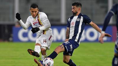 Talleres compromete sus chances con empate ante Tolima