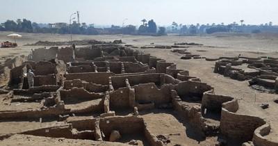 La Nación / Hallan en Egipto 250 tumbas de hace más de 4.000 años