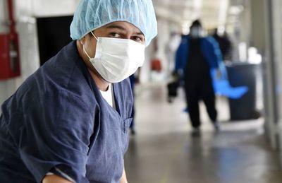 Crítica situación del plantel de enfermería: 60 fallecidos y 22 en UTI