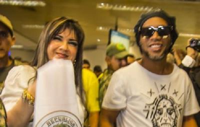 Caso Ronaldinho: Fiscalía acusa a 14 personas y pide juicio oral