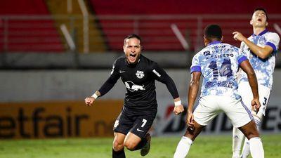 Bragantino derrota a Emelec y se acerca al liderato