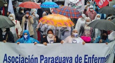 Día de la enfermería con 60 caídos por coronavirus
