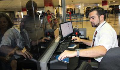 ¡Atención! Migraciones advierte a extranjeros en Paraguay sobre presunta red de falsificación de documentos