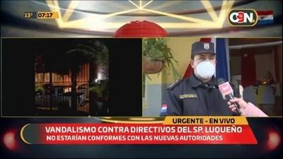 Denuncian hechos vandálicos en residencias de directivos de Luqueño
