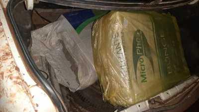 Arrestan a dos jóvenes que estaban transportando casi 140 kilos de marihuana