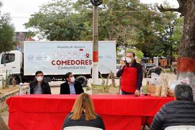 MDS asiste con alimentos y planes sociales a familias de Alberdi