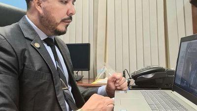 Carlos Portillo denuncia persecución política ante su inminente expulsión