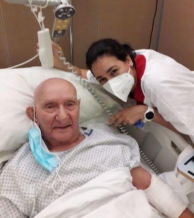 La enfermera paraguaya que le cantó al gran Nicola Di Bari