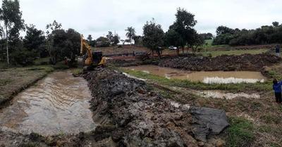 Realizan mejoras en Minga Guazú y escuchan reclamos de pobladores