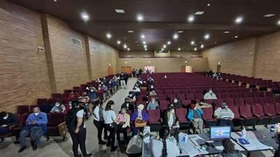 Tras refuerzo de stock, Concepción reanuda vacunaciones a mayores de 70