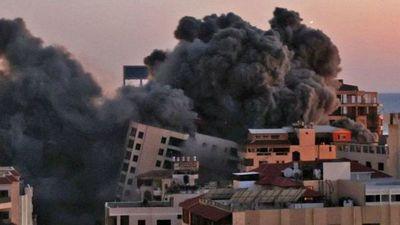 COHETE IMPACTÓ CONTRA EDIFICIO DE PARAGUAYO EN ISRAEL
