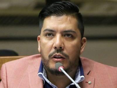 Portillo denuncia «persecución política» ante su inminente expulsión