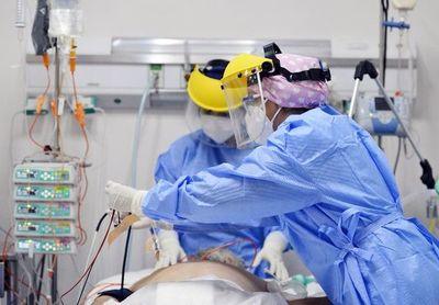Enfermeros: los que sostienen la mano hasta el final