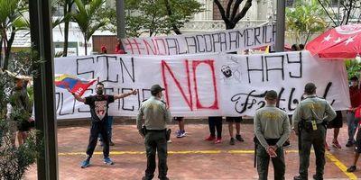 Tensión por protestas para que no se juegue la Libertadores en Colombia