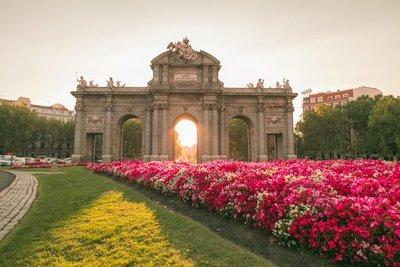 España espera recuperar en 2021 la mitad de los turistas previos al covid-19