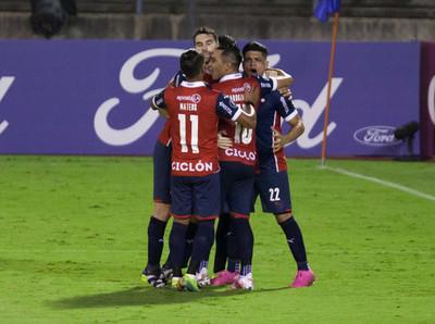 Cerro Porteño gana y lidera su grupo en la Libertadores