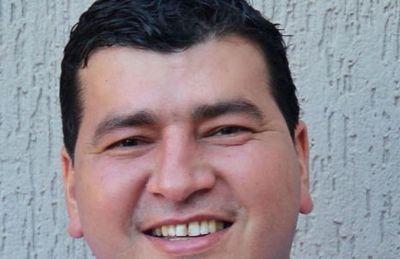 Suplente de Portillo seguirá firme con su candidatura a intendente