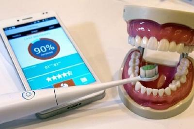 ¡No estaría mal intentar! Cepillarse los dientes podría reducir riesgo de padecer Covid-19 grave