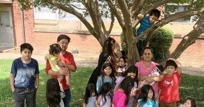 ¡La increíble familia Hernández! Ella tiene 39 años, dio a luz a 16 hijos y todos sus nombres empiezan con la letra C