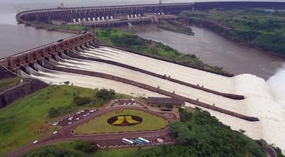 A partir del 2023 'eventualmente' se reduciría tarifa de energía, dice director de Itaipú