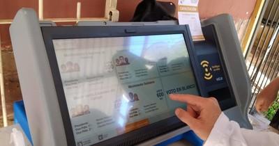 La Nación / Elecciones Municipales 2021: máquinas de votación llegan a los barrios para capacitación