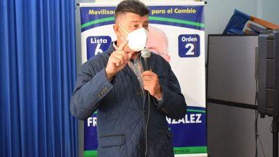 Efraín Alegre dice que Cartes supuestamente roba USD 400 millones al país por año