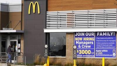 ¡No quieren trabajar! McDonald's subirá salarios por falta de personal