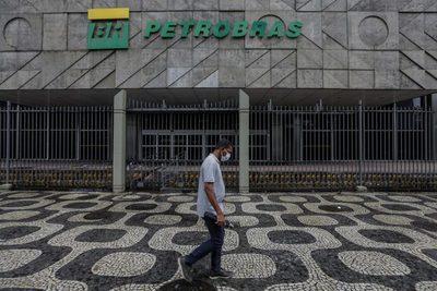La brasileña Petrobras revirtió en el primer trimestre parte de sus pérdidas