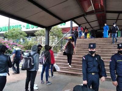 Reportan intenso movimiento de pasajeros en Terminal de Asunción