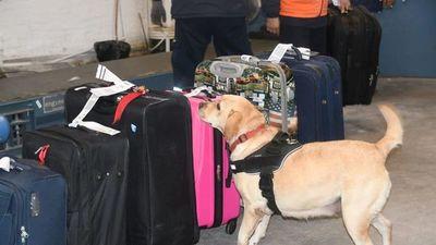Paraguaya relata el infierno que vivió en España al encontrarse droga en su maleta