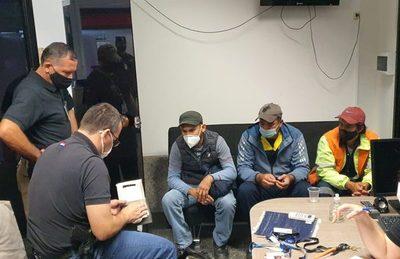 Detienen a tres funcionarios de la Dinac por supuesto tráfico internacional de drogas