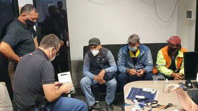 Caen más funcionarios por el caso de cocaína introducida en maleta