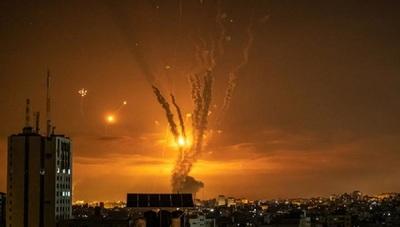 Mientras el mundo aboga por el diálogo: Continúa el intercambio de fuego entre Israel y Gaza