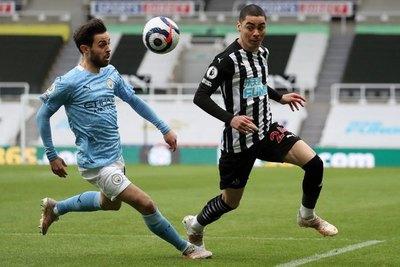 Con Almirón de titular, Newcastle pierde en un partidazo ante el Manchester City