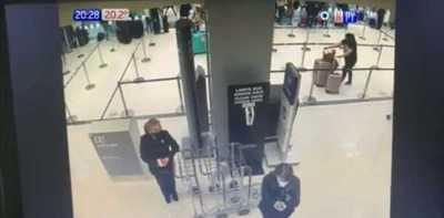 Caso Dinac: Revelan más imágenes sobre la maleta cargada de droga