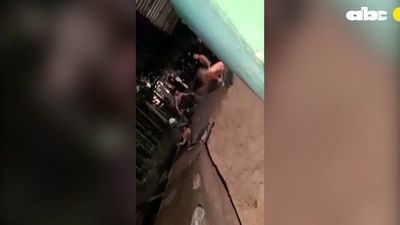 Facciones de vecinos se atacan con cuchillos, lanzas y acusaciones de ventas de crack en Bañado Tacumbú