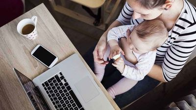 El desafío de ser mamá: Cuidar de los hijos y poder trabajar