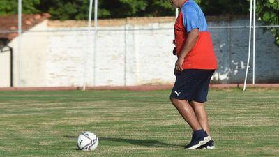 Francisco Arce prepara variantes para medir al Kelito