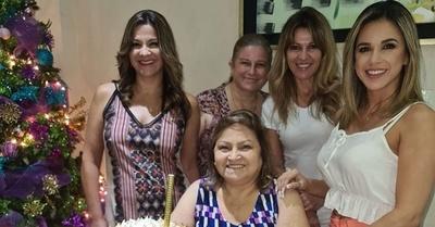 La mamá que superó al COVID-19 y celebró su día en familia