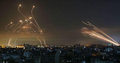 Tratan de lograr que palestinos extremistas paren su ataque a Israel