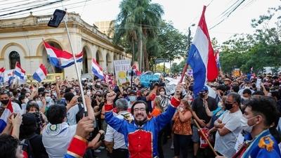 Población de Paraguay sube a 7.353.000, madres cabezas de hogar son 694.088