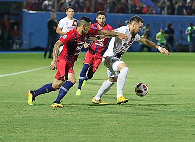 Domingo de fútbol en los Jardines: River Plate y Cerro Porteño se convocan desde las 17:45 hs.