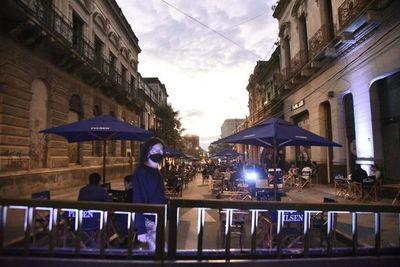 Gastronómicos desean mantener los bares al aire libre