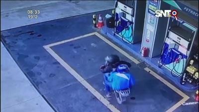 Dos motochorros asaltaron una gasolinera