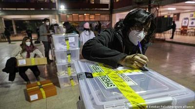 Comienza el segundo día de la histórica elección que marcará el futuro político de Chile