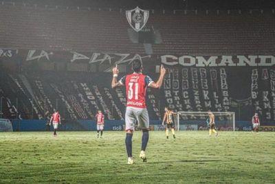 Cerro Porteño, con equipo alternativo, visita a River
