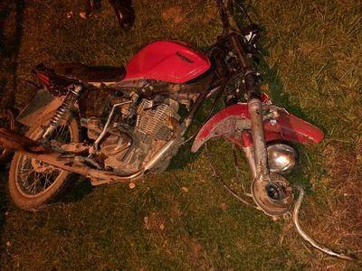 Motociclista fallece y acompañante resulta herido en choque frontal en Caapucú